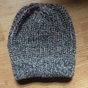Accessories - NWOT Knit Beanie